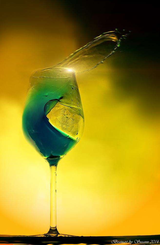 Das verrückte Weinglas (No. III)