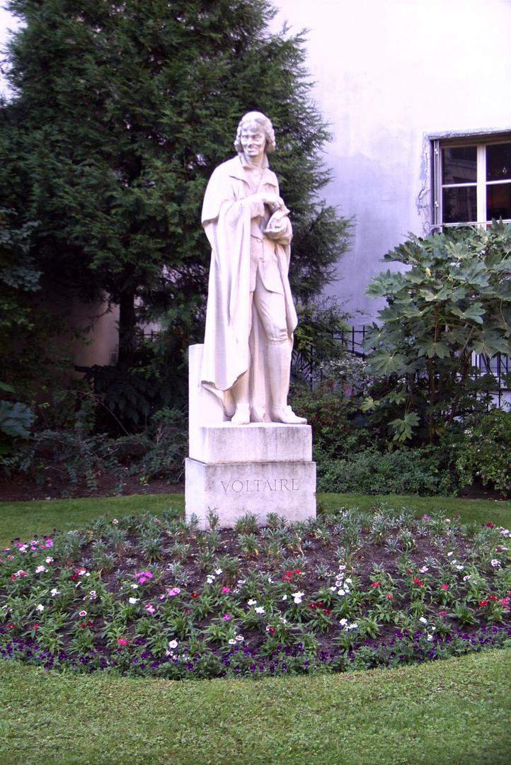 Das Voltaire-Denkmal