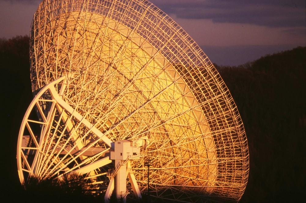 Das Weltraumohr in Effelsberg, ein Super-Radioteleskop