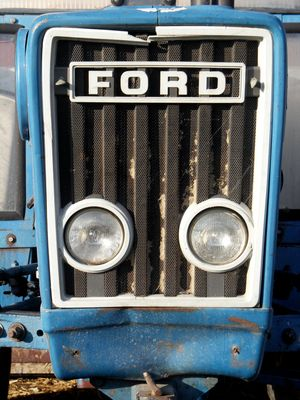 Daß Ford auch mal Traktoren gebaut hat...