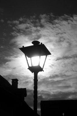 daylight street lamp