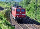 DB 151 046-0 mit Güterzug bei Kanzem.