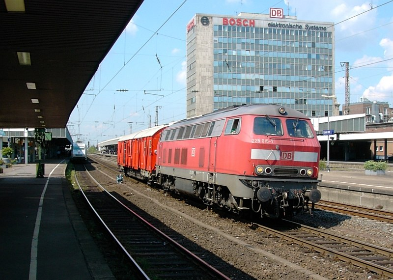 DB 225 015