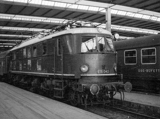 DB vor 50 Jahren: E 18 045