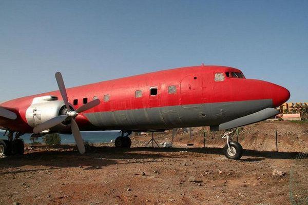 DC 7, vermutlich ex Spantax