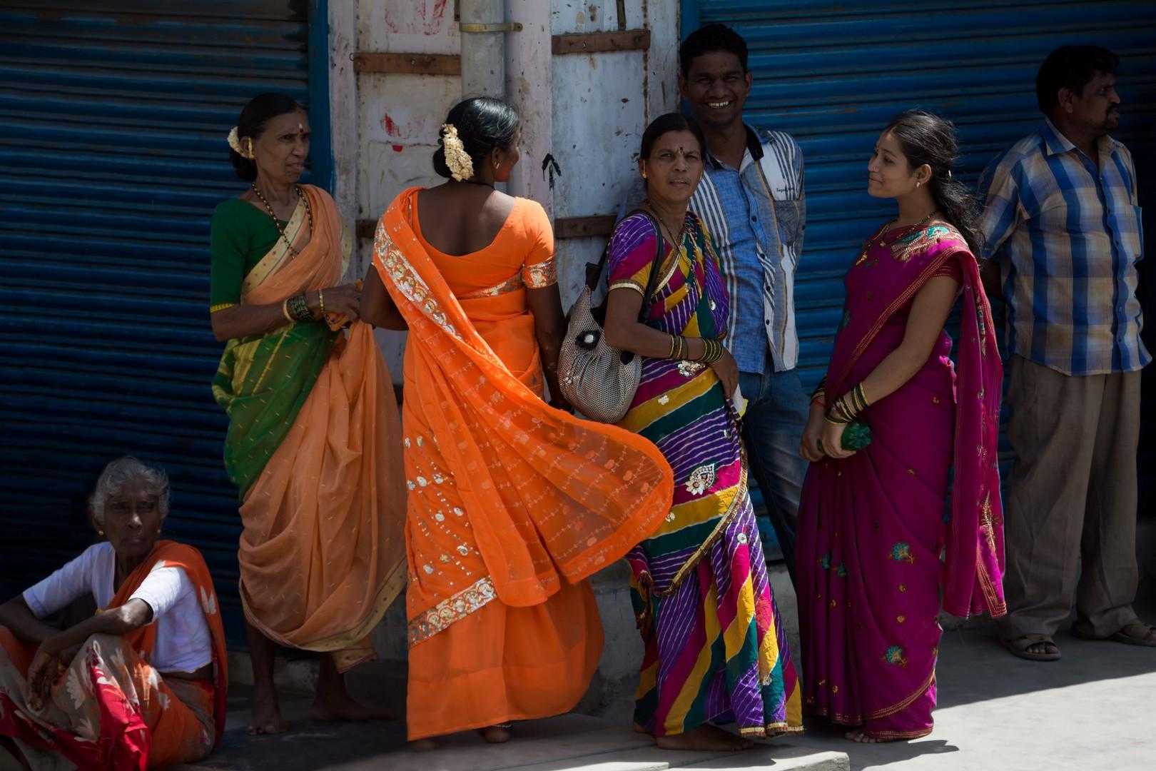De beaux saris colorés