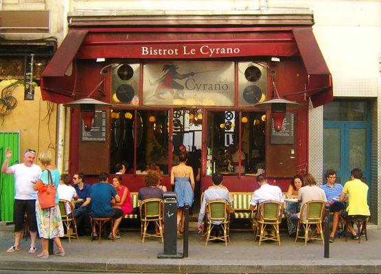 De dos au Cyrano .....m ' été compté !!!!!!!! rue Biot Paris XVII arr