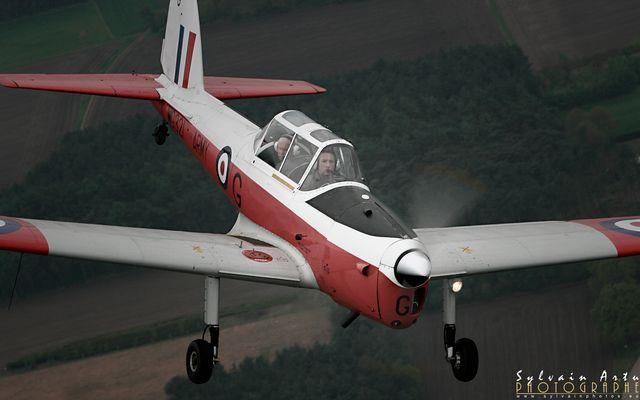 De Havilland Chipmunk in action !