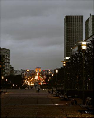 De l'esplanade de la Défense