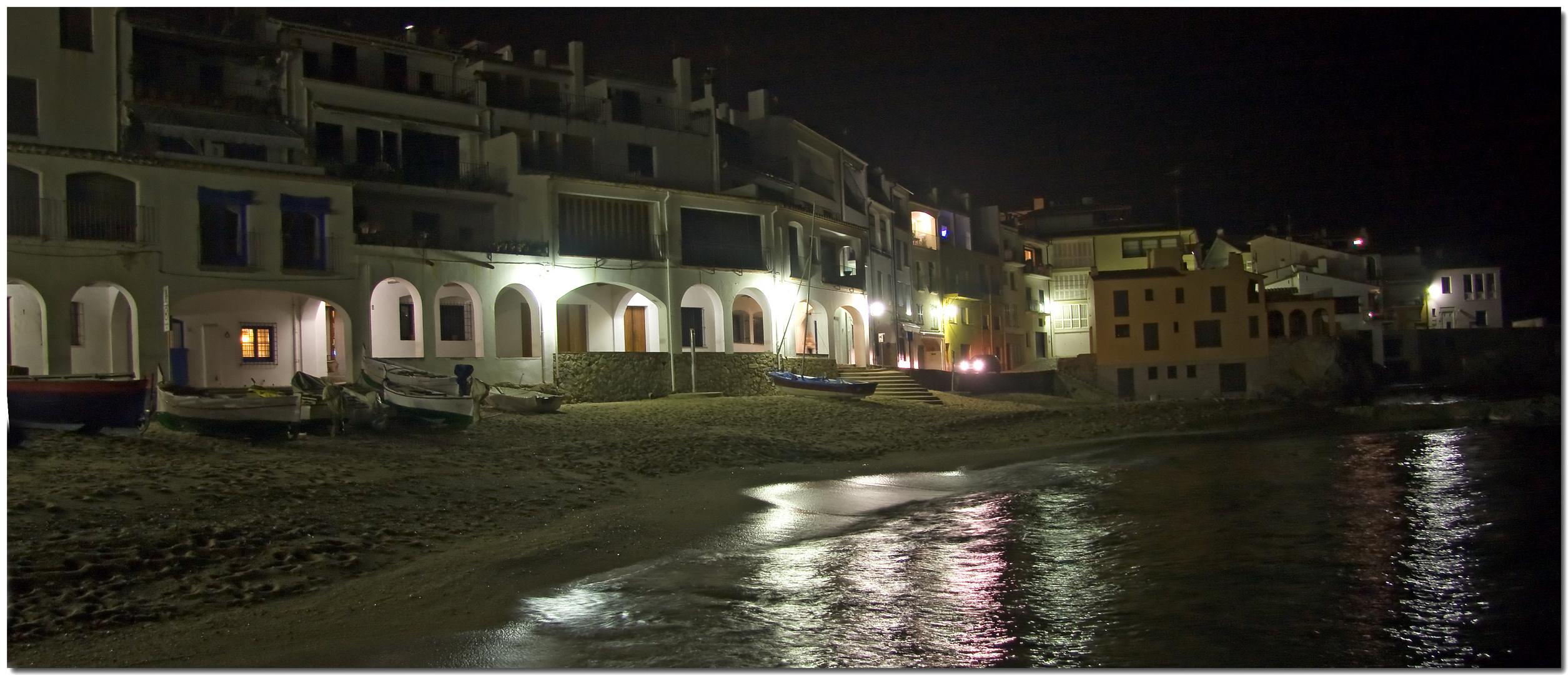De nit a Calella XVII Les voltes solitàries