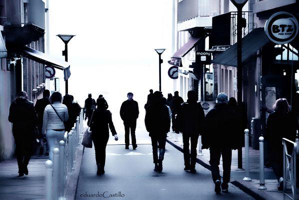 De vuelta en la calle