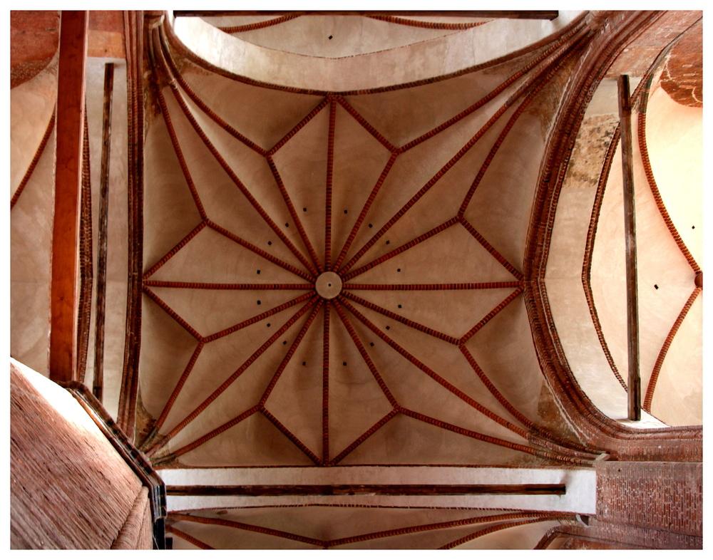 Deckenarchitektur in St. Georgen Wismar