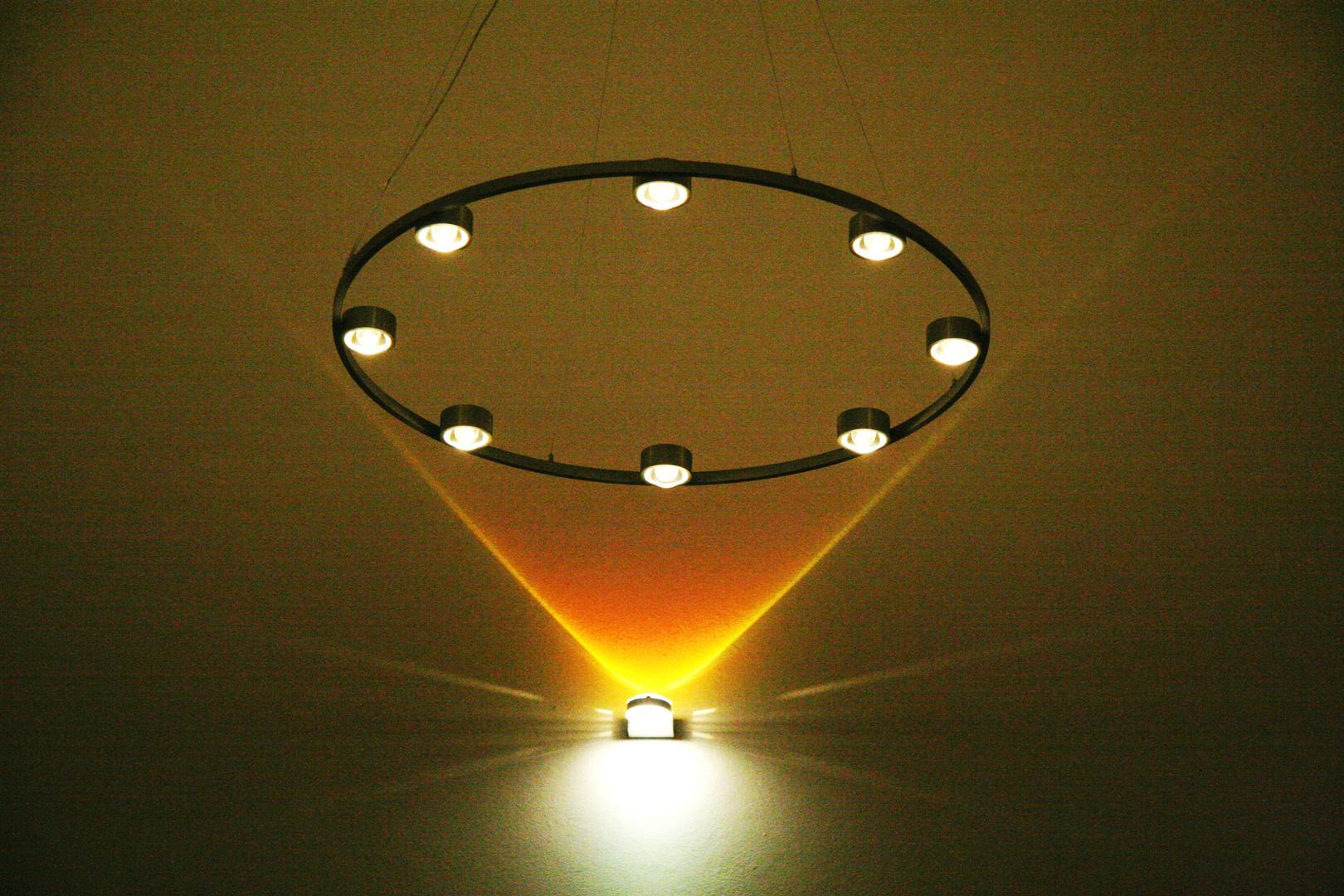 deckenbeleuchtung foto bild lampen und leuchten alltagsdesign motive bilder auf fotocommunity. Black Bedroom Furniture Sets. Home Design Ideas