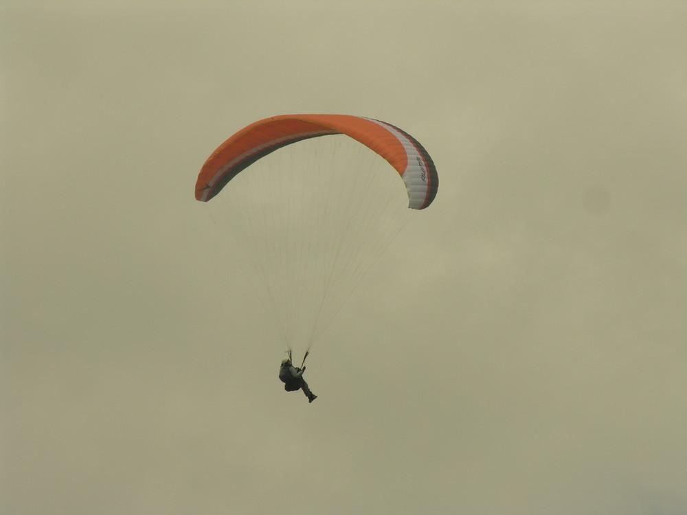 Décollage de parapente du Puy de Dôme