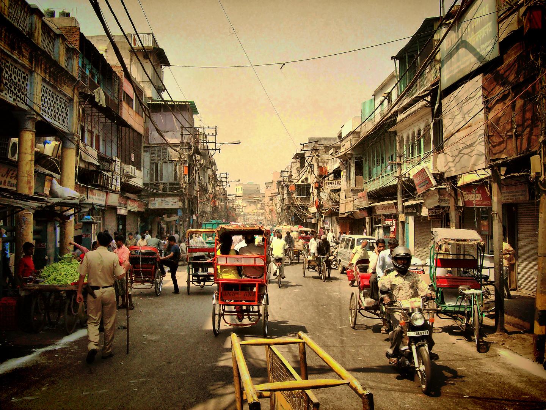 Delhi, tranquilo paseo por la city, faltan dos peculiaridades: el olor y el ruido