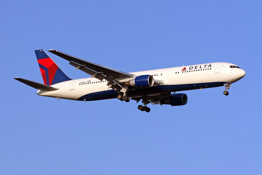 Delta Air Lines Boeing 767-332(ER) (N178DN)