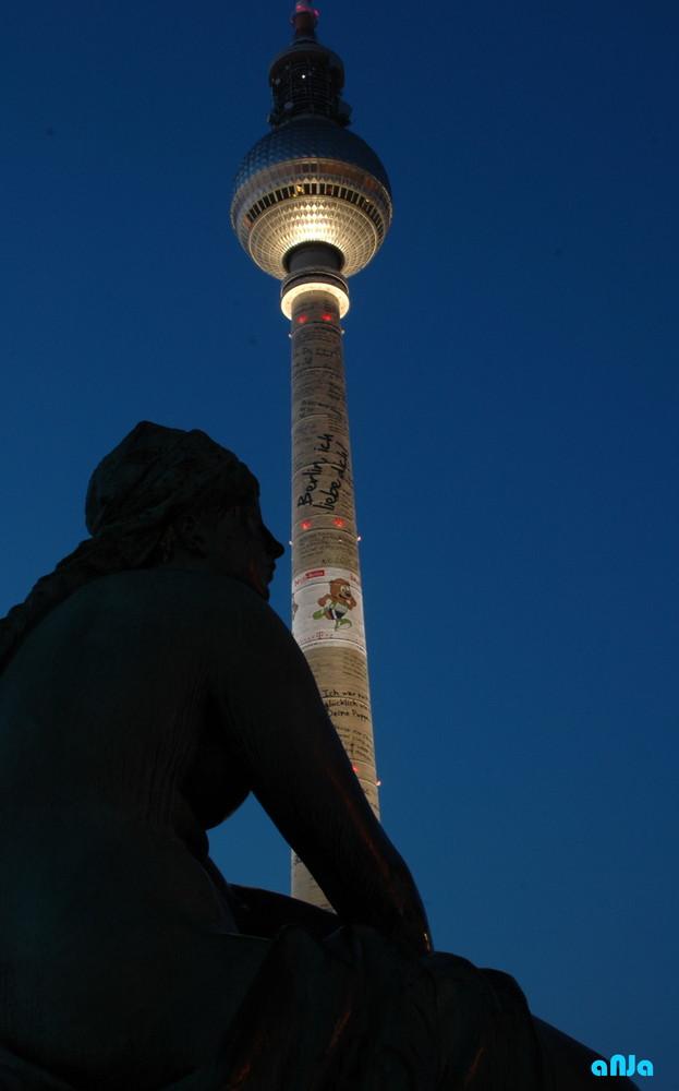 Dem Fernsehturm zu Füßen