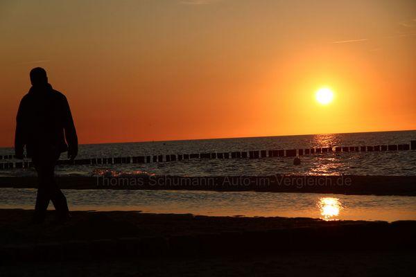 dem Sonneuntergang entgegen.......