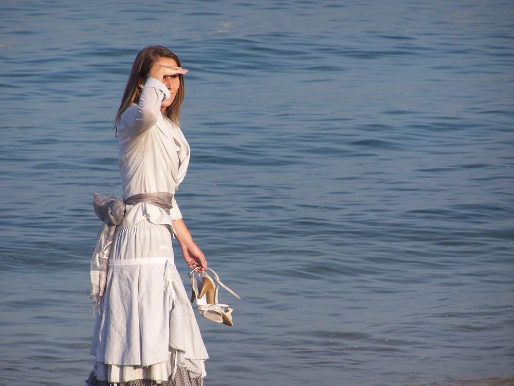 Demoiselle à la plage...