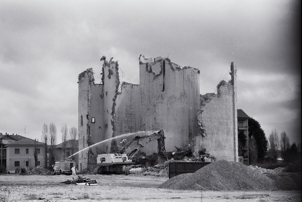 Demolizione silos ex Interzuccheri