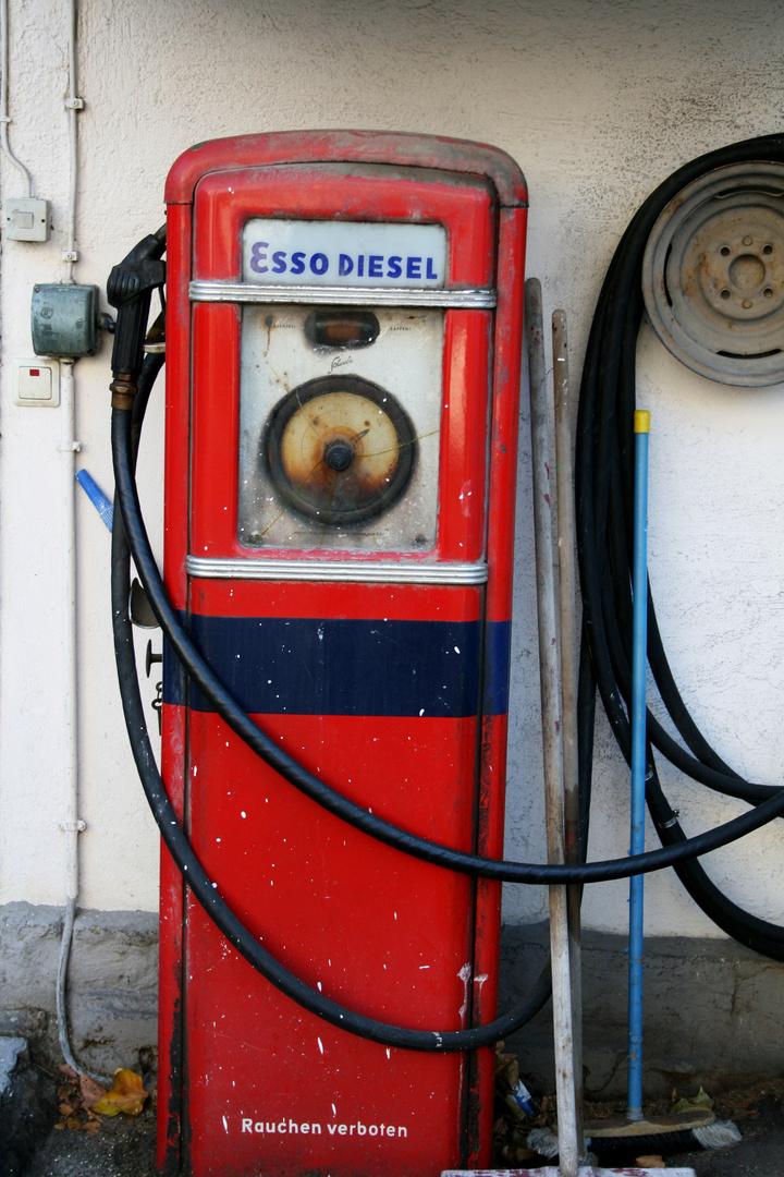 Den Benzinpreis...