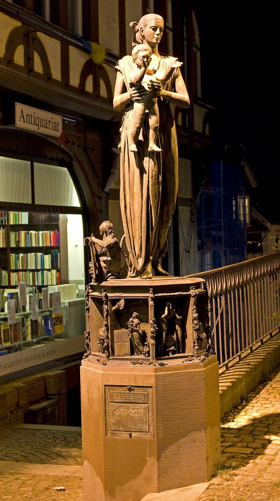 Denkmal am Rathausplatz