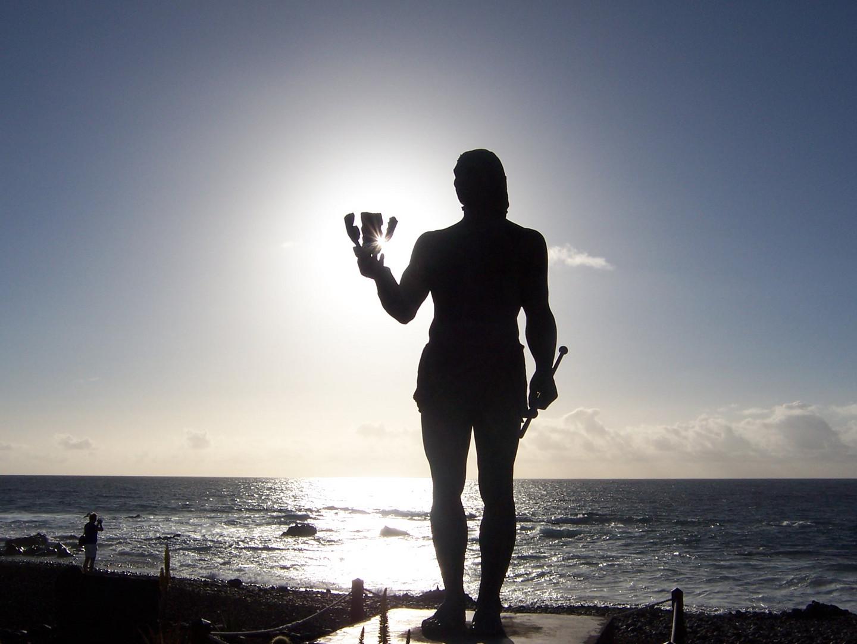 Denkmal für die Ureinwohner , den Guanchen in Valle Gran Rey