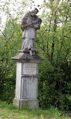 Denkmal in Ochenhausen bei Wanderung um den Krumbach