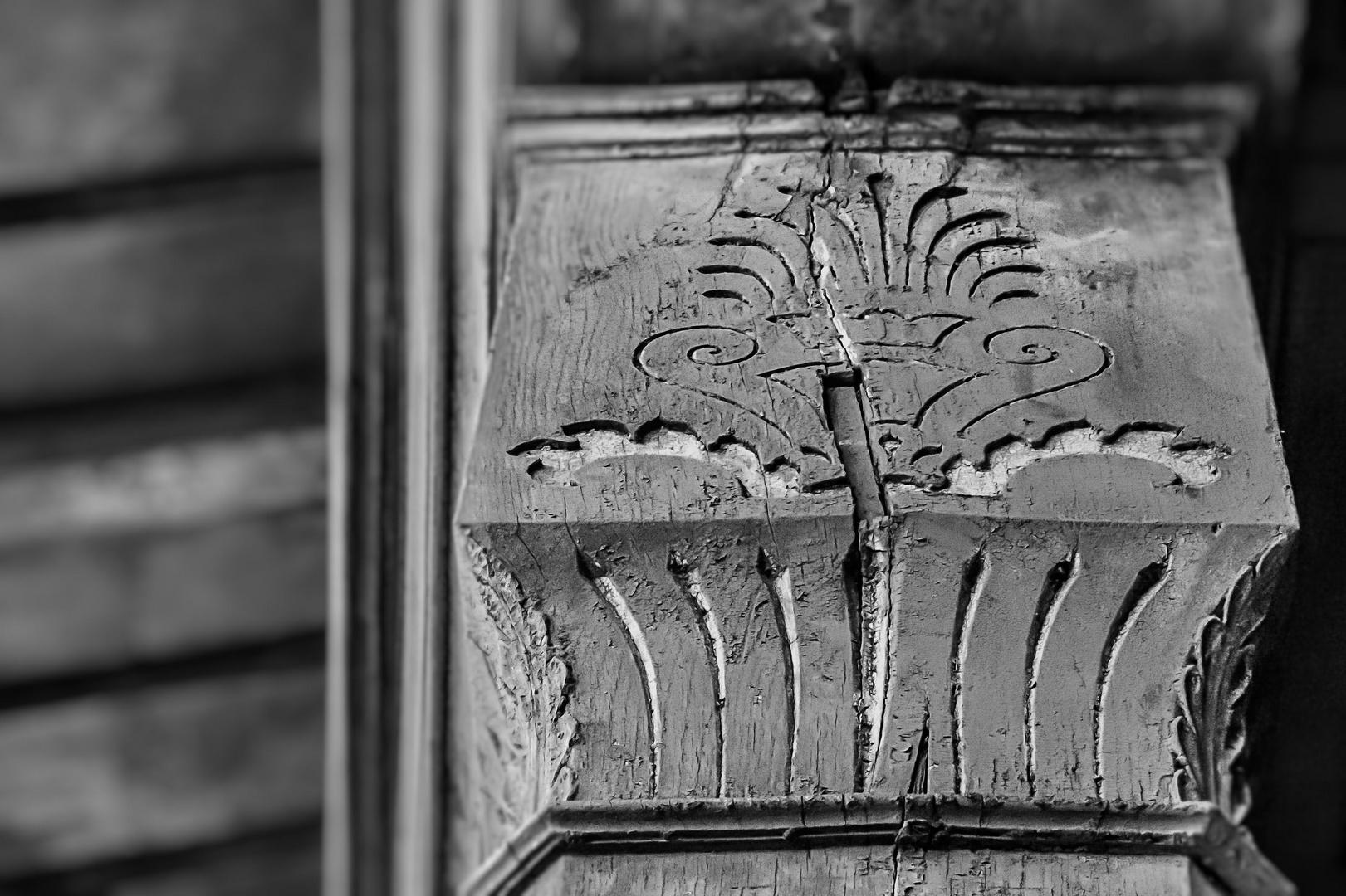 Denkmalschutz Holz VII - Verzierter Balkenkopf