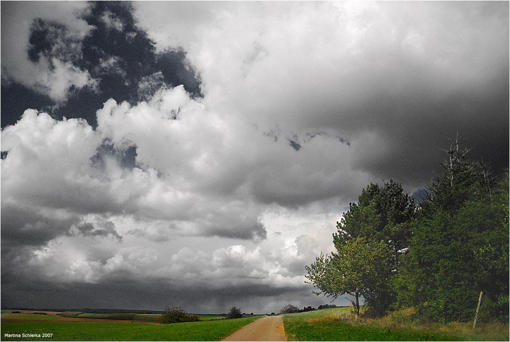 ..... denn der Wind treibt Regen übers Land
