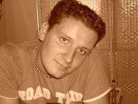 Dennis László