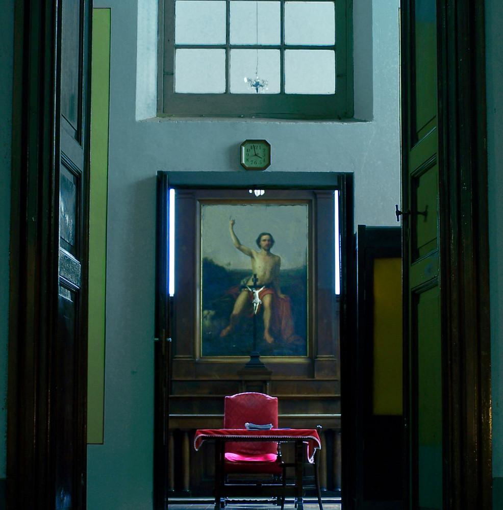 Dentro una chiesa