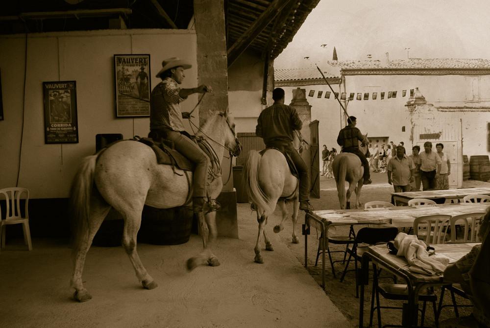 départ du bar, les chevaux assurent !