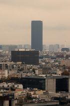Depuis le dernier étage de la tour ouest de la TGB (10). La Tour Montparnasse