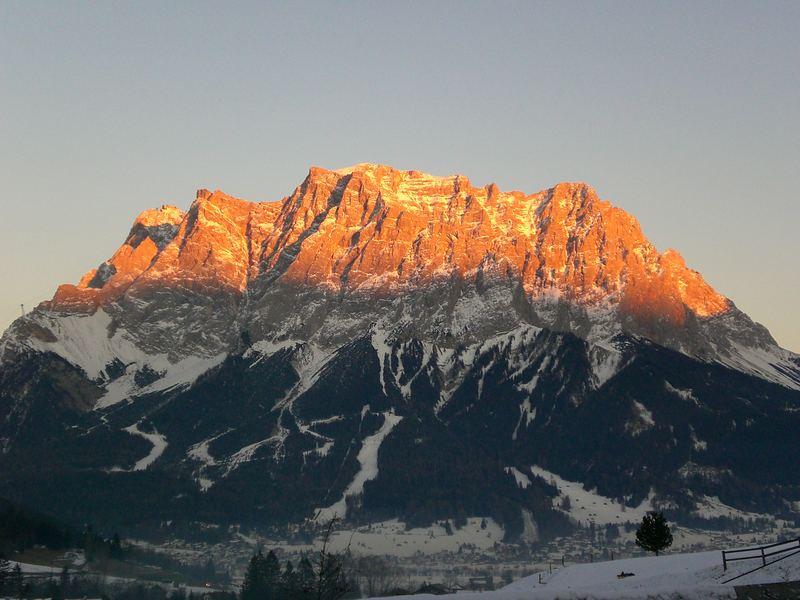 Der abendliche Glanz der Zugspitze