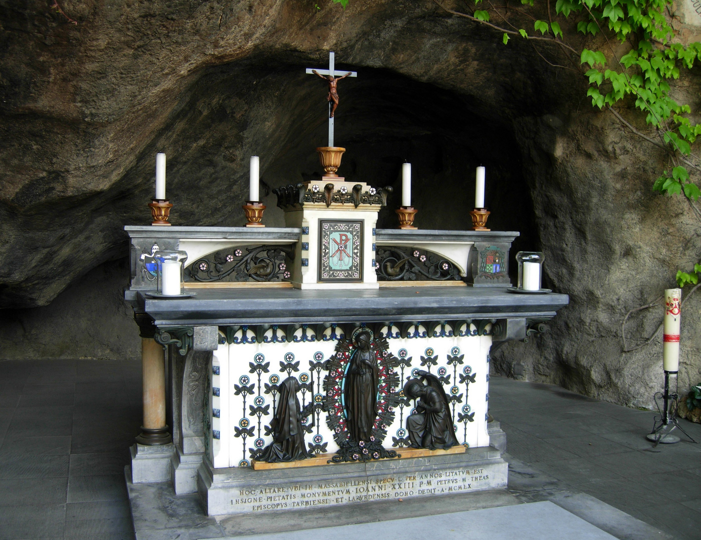 Der Altar von Lourdes