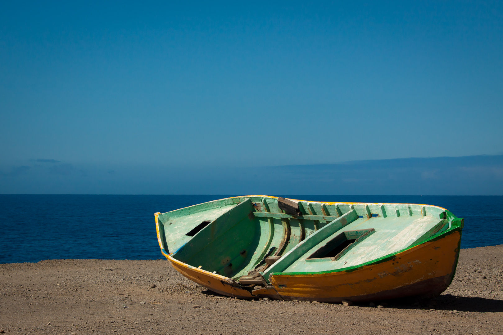 Der alte Kahn und das Meer...
