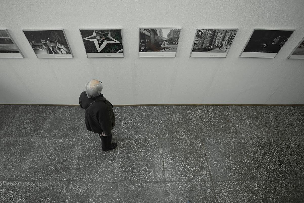 Der alte Mann und die Galerie