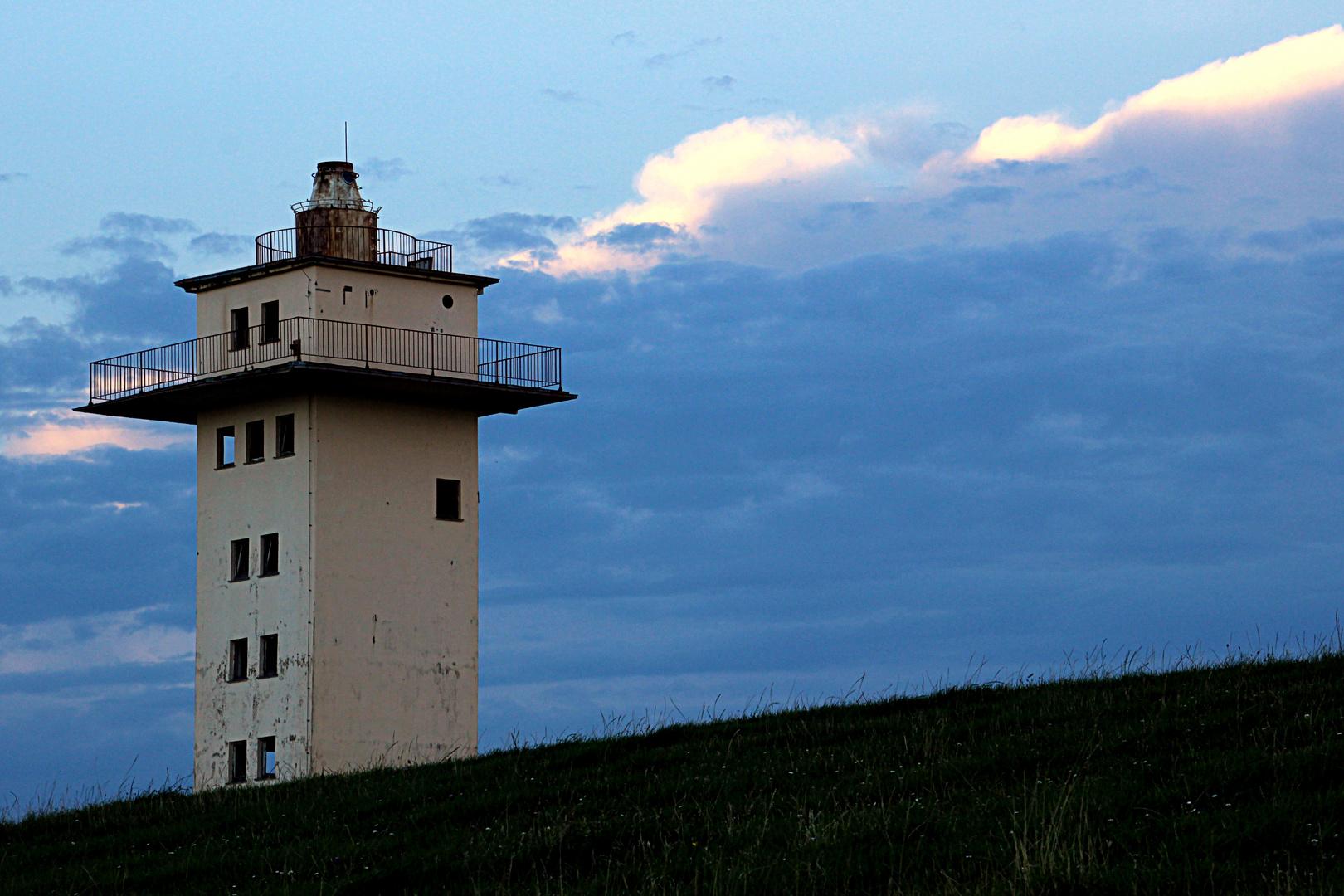Der alte Radarturm in Blexen hinterm Deich