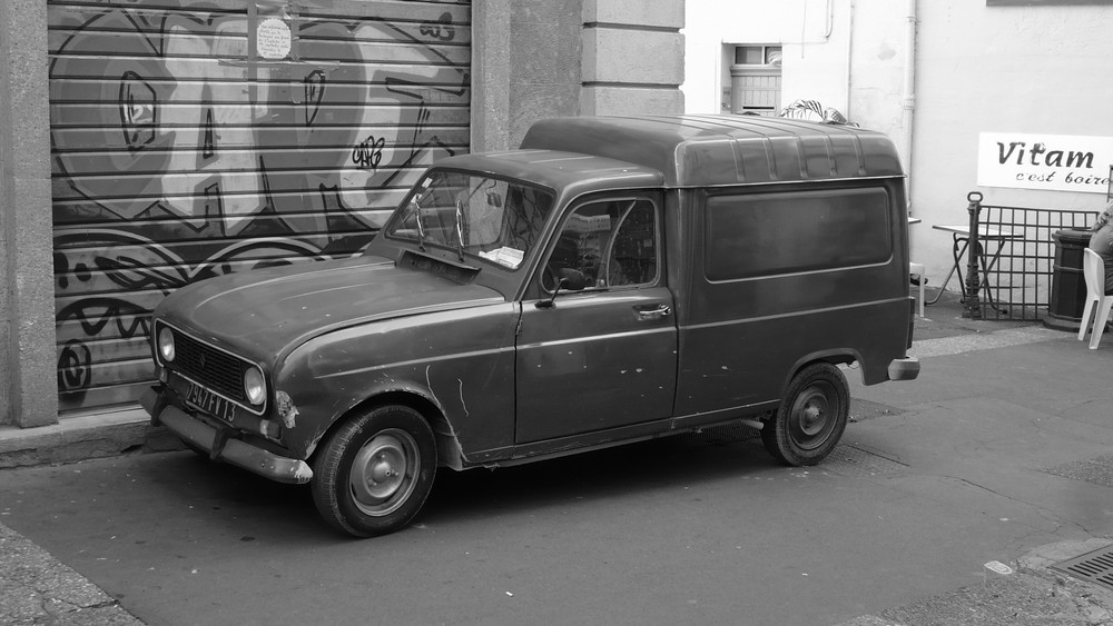 Der alte Renault von Aix en Provence