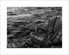 Der alte Stuhl und das Meer