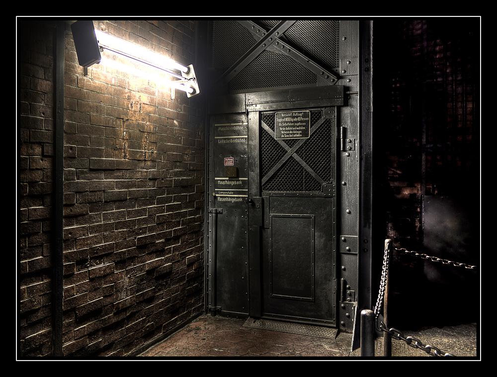 Der Aufzug.....