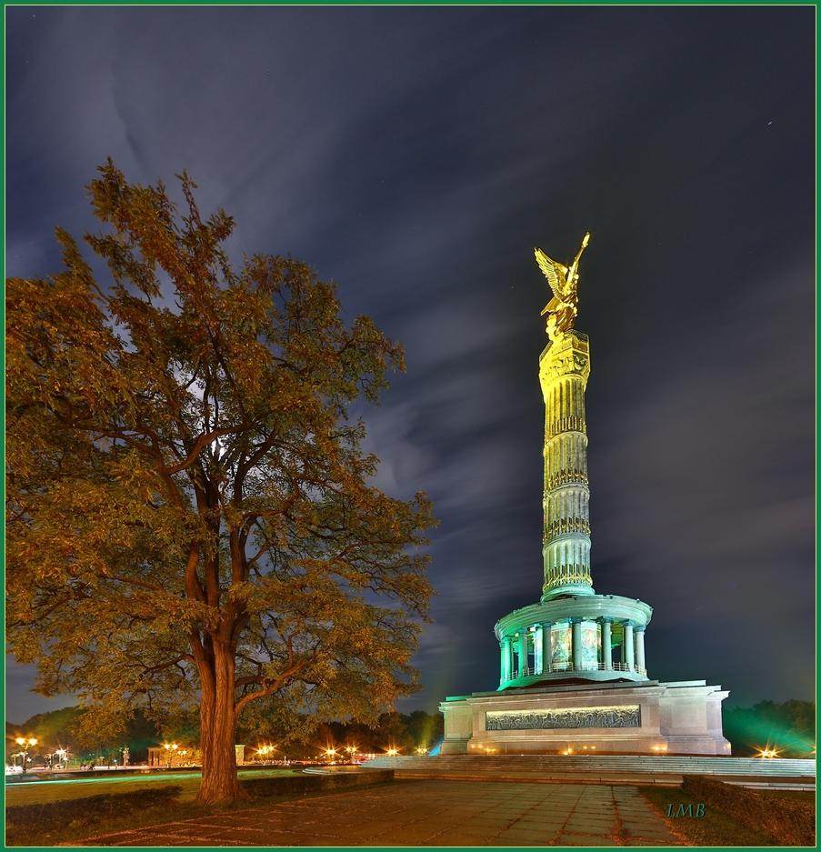 Der Baum am Monument