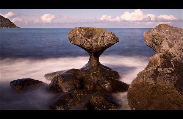 der berühmte Stein auf Vågsøy - Kannestein