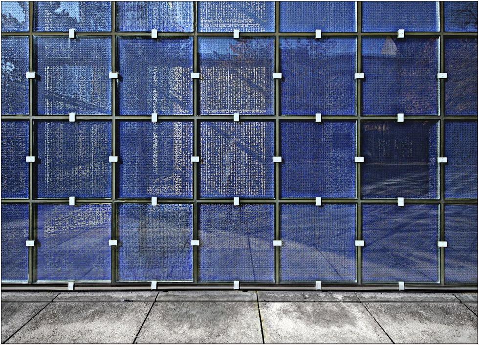 Der blaue Vorhang
