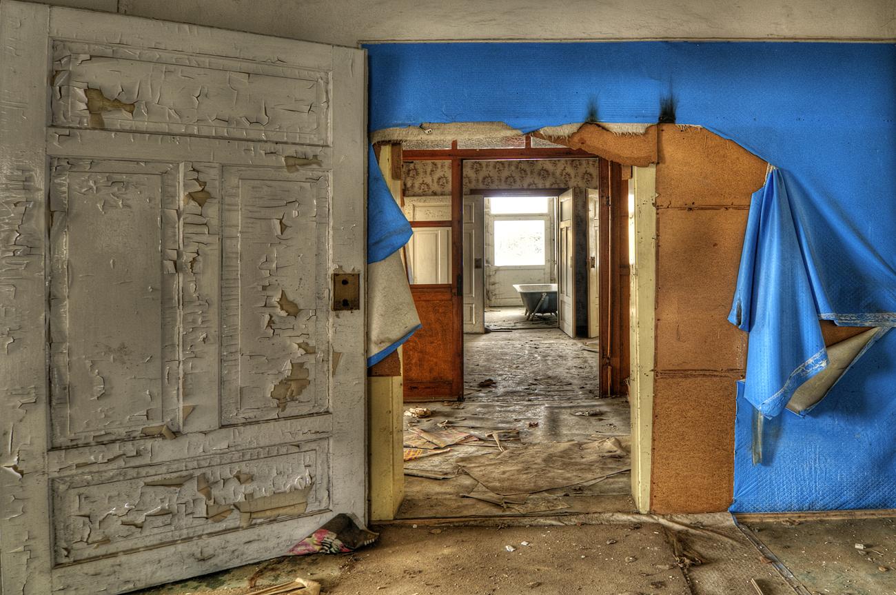 *** Der Blaue Vorhang ist......... ***