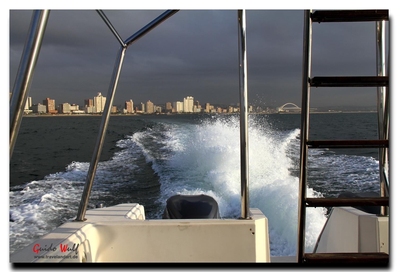 Der Blick auf Durban vom Begleitboot aus