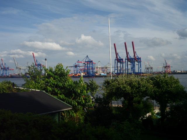 Der Blick zum Hafen