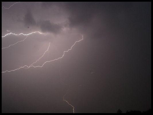 """Der Blitz beherrscht das Universum"""