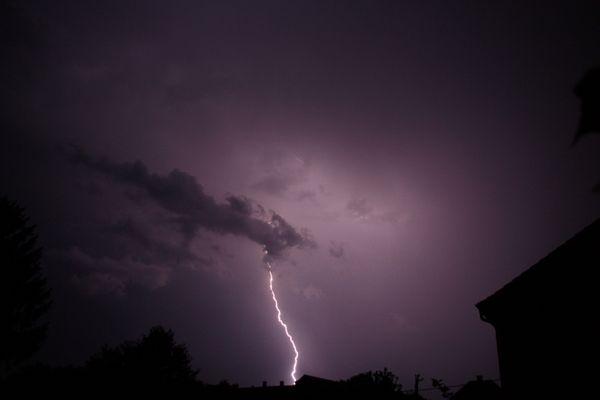Der Blitz, der aus der Wolke kam